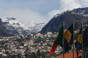Weather turning to possible snow on the mountains