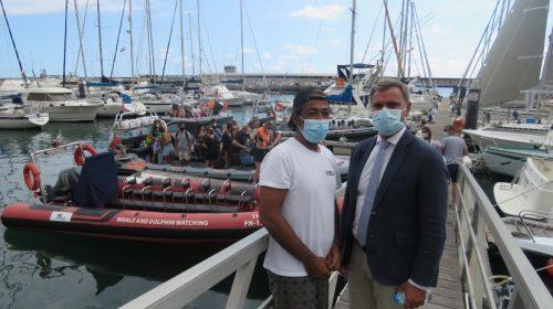 Regional secretary visiting a maritime tourism company in Funchal marina
