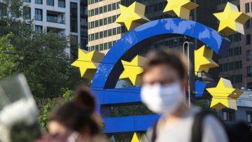 Euro symbol indicating a recession