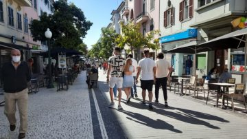 Signs of tourism returning to the streets of Funchal