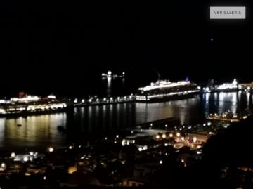 The Queen Elizabeth in Funchal port