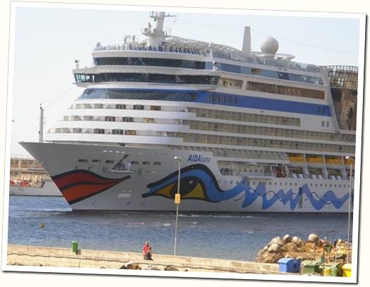madeira news blog 0909 tobi cruise ship