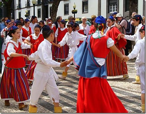 madeira news blog 0911 sheila Flower Festival Dancing
