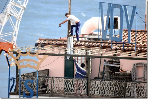 madeira news blog 0912 savoy hotel sign