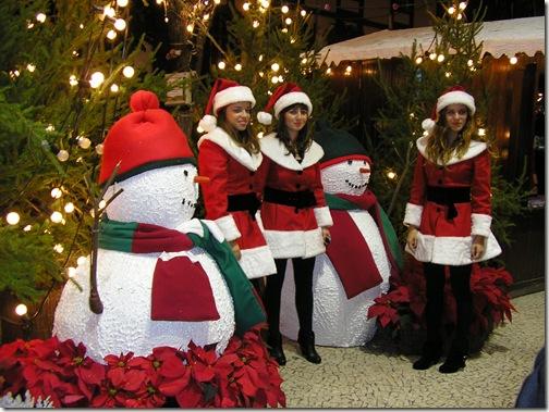 madeira news blog 0912 selina christmas 2009 lights female father xmas