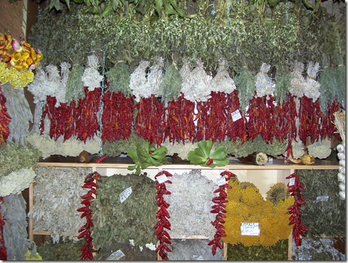 madeira news blog 1001 elaine W dried herbs and chillies on sale in Funchal Market 2