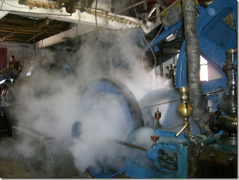 madeira news blog 1002 rita Steam engine on the production line of the sugar cane factory in Porto da Cruz