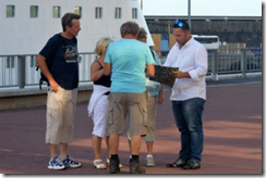Taxi driver confronts tourists