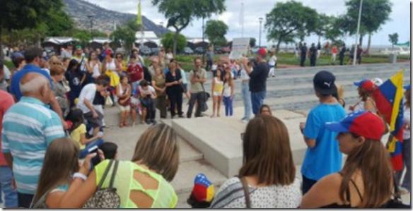 Venezuelan supporter on Funchal sea front