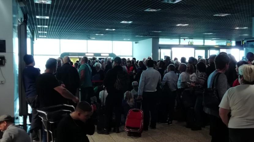 Chaos at Madeira airport