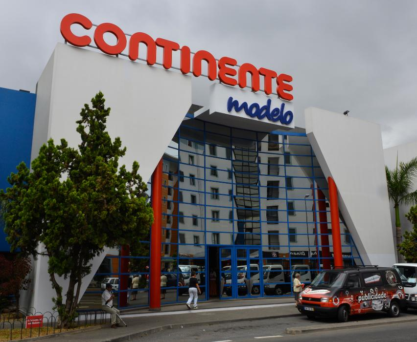 Continente supermarket in Sao Martinho, Funchal